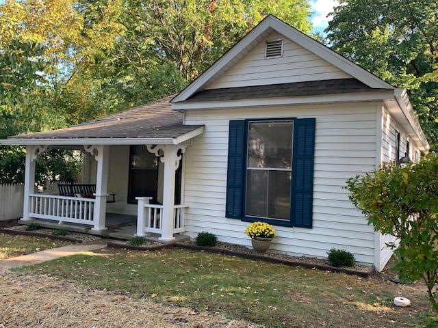 """Cottage on Kirkwood"" +hot tub and fireplace"