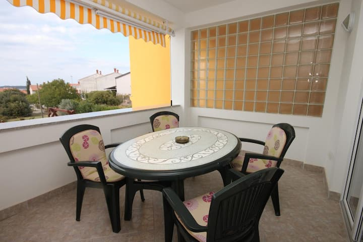 One bedroom apartment with terrace and sea view Štinjan, Pula (A-7423-a)
