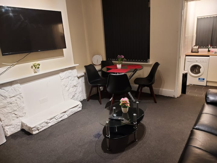 Bright and spacious double room-1 (Hibiscus)