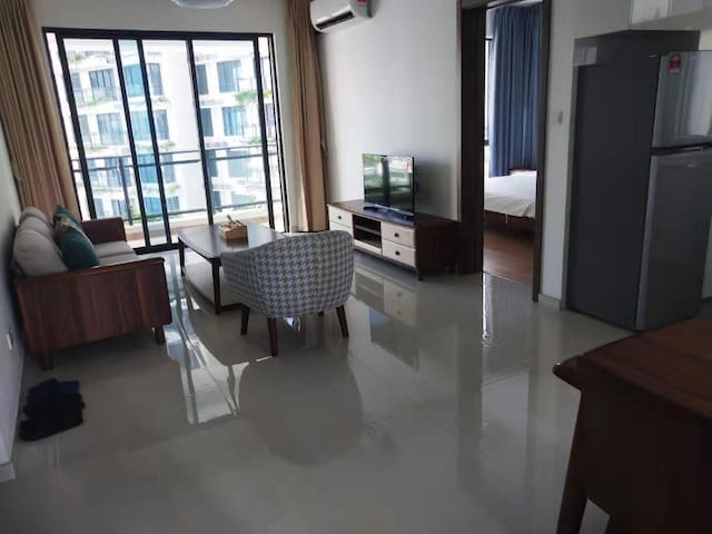 RM1300/month, Forest City, 2-3 pax apartment, Tuas