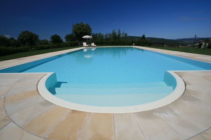 Lovely cottage with pool situated in Siena area - Casole d'Elsa - Hus