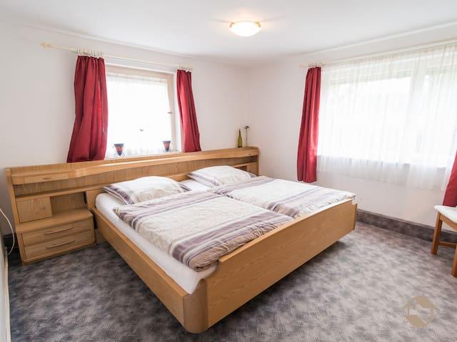Haus Elisabeth Kugele, (Bad Teinach-Zavelstein), Ferienwohnung, 72 qm, 2 Schlafräume, max. 6 Personen
