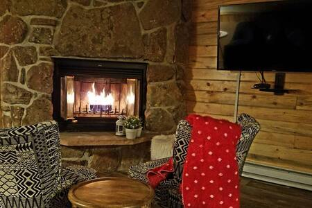 Resort Studio w/ Easy Access to RMNP!!