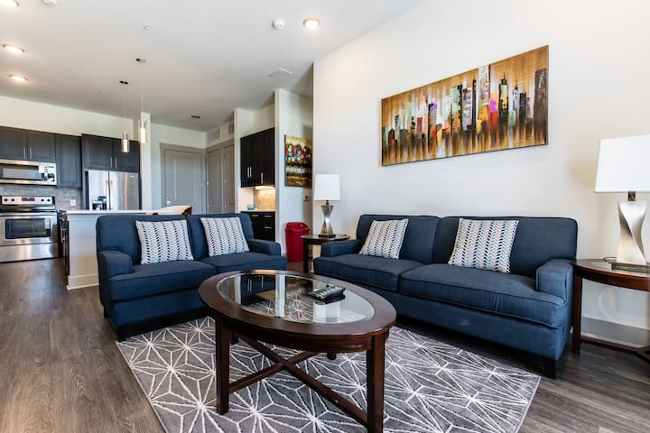 Luxury 2BR apartment at Frisco