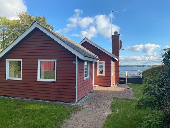 Sommerhus med panorama udsigt i Sønderhav skov