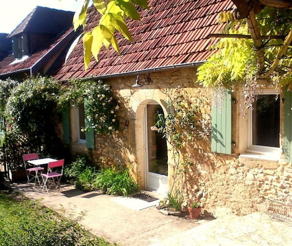 Charming 2 Bedroom Stone Cottage