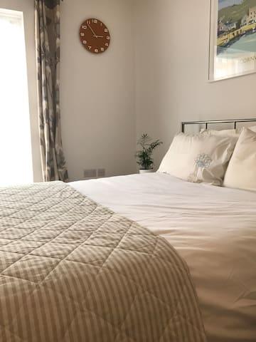 Spacious double room with en suite by Burgess Park - London - Apartment