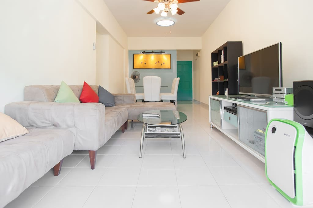 Living Hall:- 1) 30Mbps Unlimited Wifi Internet. 2) Panasonic Smart TV 50 inches 3) 75 Channels Satellite TV 4) Aircond x 1 unit 5) Ceiling fax 2 units 5) Sofa bed x 2nos 6) 6 person dining table