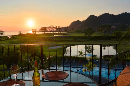 Condominio en Los Sueños Resort