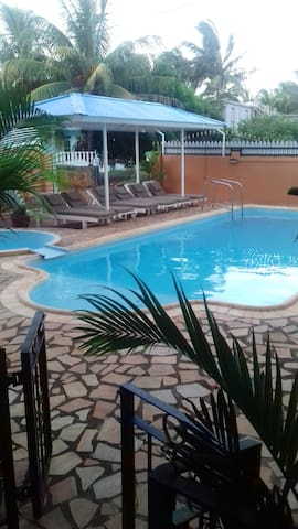 Studio in Pointe aux piments, with shared pool, balcony and WiFi - 200 m from the beach