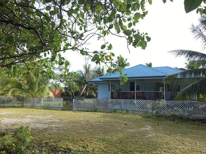 Le fare bleu Rangiroa, Tiputa 1 personne