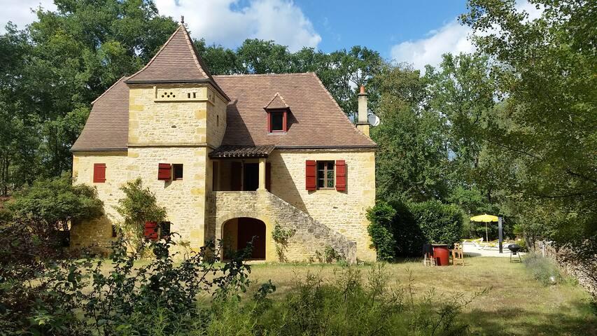 Grande maison typique du Périgord proche SARLAT