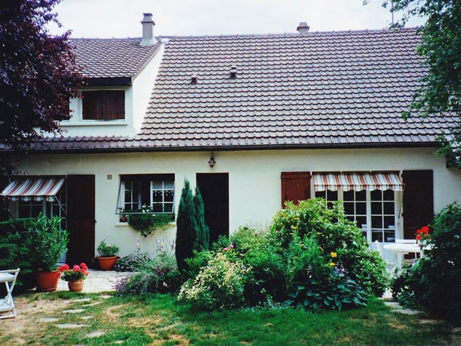 Le pavillon côté jardin
