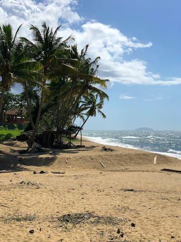 Ocean Views, 3 floors, Walk to the beach Bo Puntas