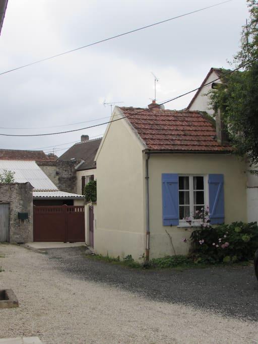 Petite maison en pleine nature dans un hameau houses for for Maison en pleine nature