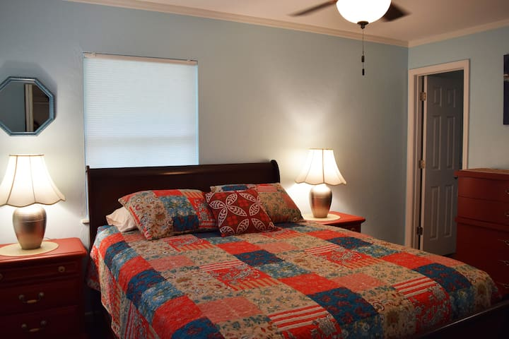 Queen bedroom with attached bath.