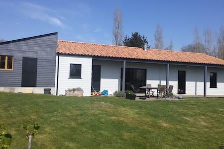 Maison en bois à La Garnache Vendée - La Garnache - House