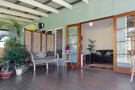 Moreton Bay Breeze - Manly - Bed & Breakfast