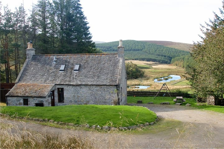 Wild Farm Cottage - Tomintoul