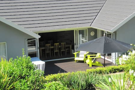 Number 3- Double Room - Taupo - Bed & Breakfast
