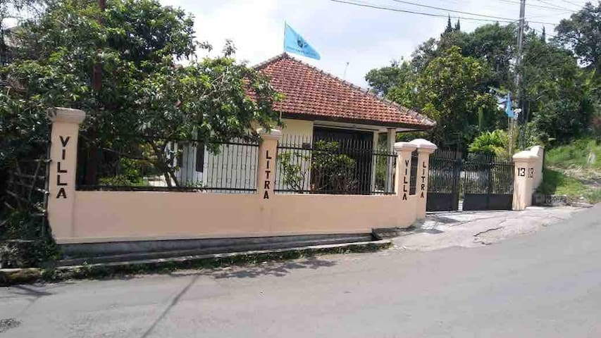 Villa Litra 1 (Family/Group Only)