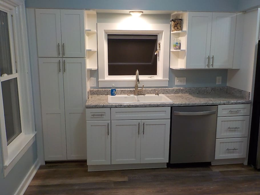 Brand new kitchen with new appliances for 2018!!