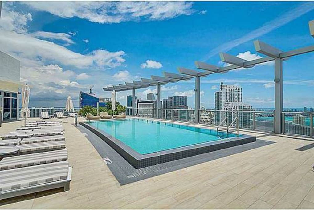 43 rd floor pool with an outstanding view
