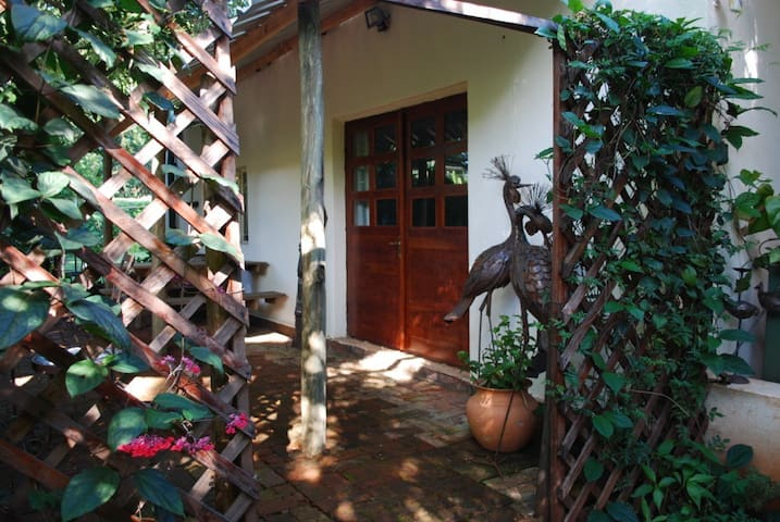 Lovely garden setting apartment - Harare - Apartamento
