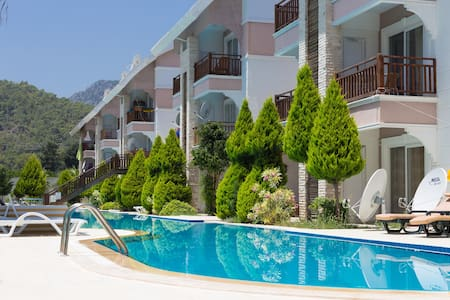 2BD duplex in Kemer 200m to the sea