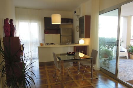Appartment in residence with beach - Augusta - Apartament