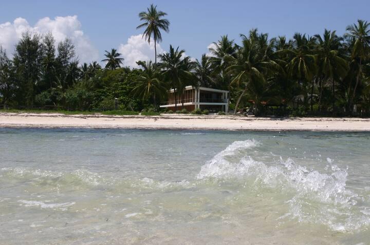 Karibishwa Beach House(Villa).
