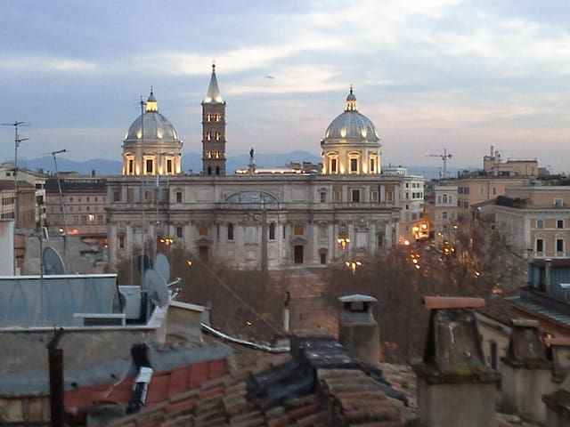 Affordable Hostel in the center of Rome.
