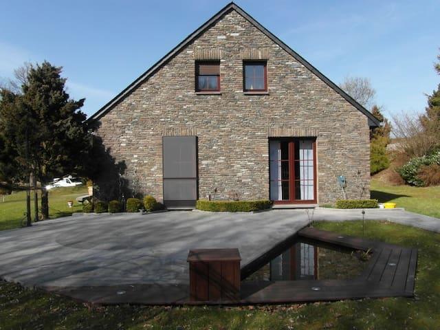 Chambre en Ardenne Belge. - Bièvre - Huis