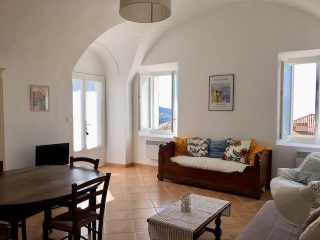 Appartement avec jardin et vue golfe