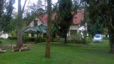 "Serenity, expansive grounds - ""Kwa Millinga"" Villa"