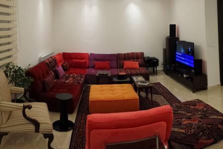 Fun & Big modern flat - AC and wifi - Greater Beirut