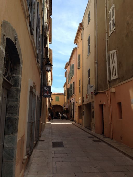 La Rue de la Ponche vers la Pesquiere