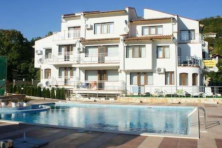 Квартира-студия в комплексе - Balchik