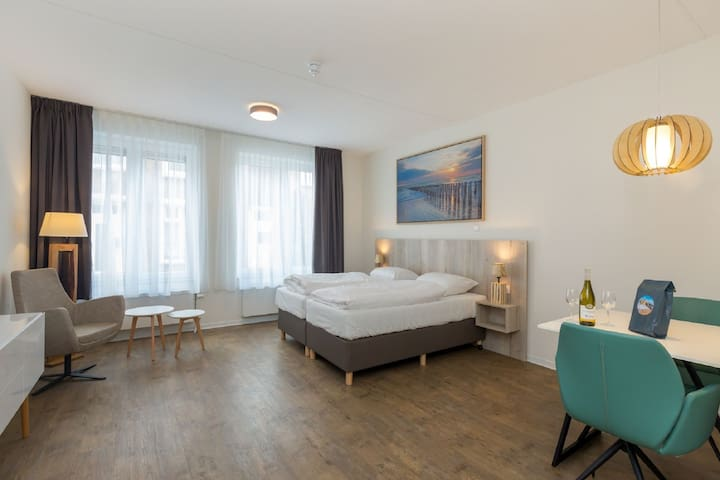 Luxurious studio for 2 people, a 1-minute walk from the beach of Zoutelande