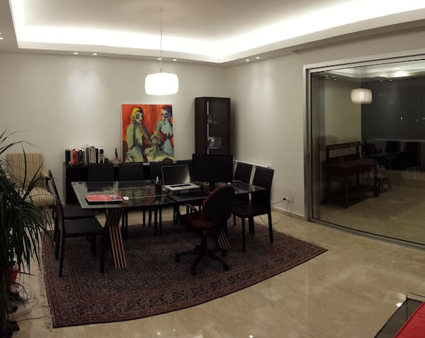 Young & Modern Flat - AC and wifi - Greater Beirut - Wohnung
