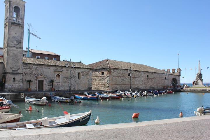 Trilocale in residence con piscina - Colà - Leilighet