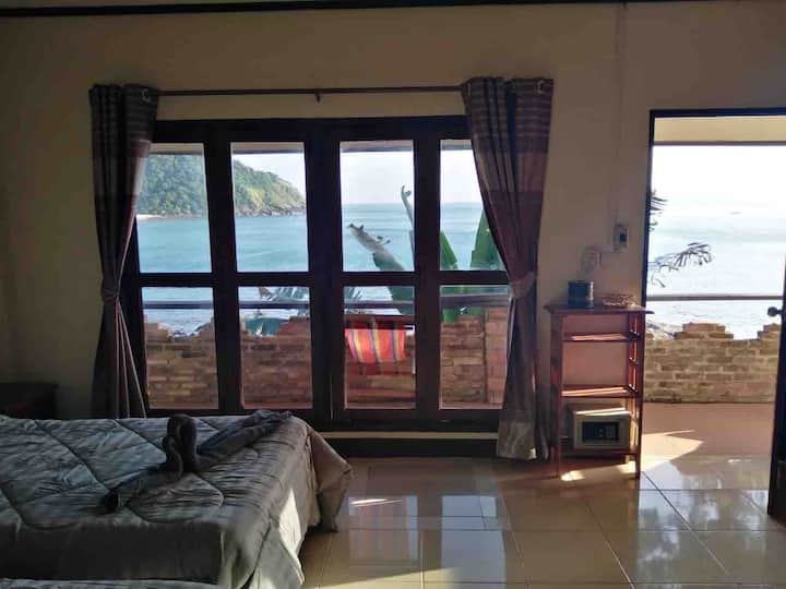 Bamboo Bay Bungalow R20