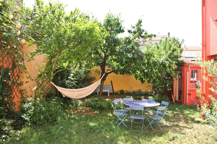 170m2 garten - 9 p. 800m from Paris