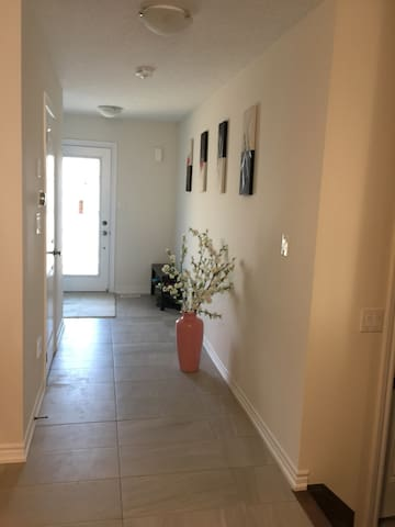 Brand new and can be separated rent single room
