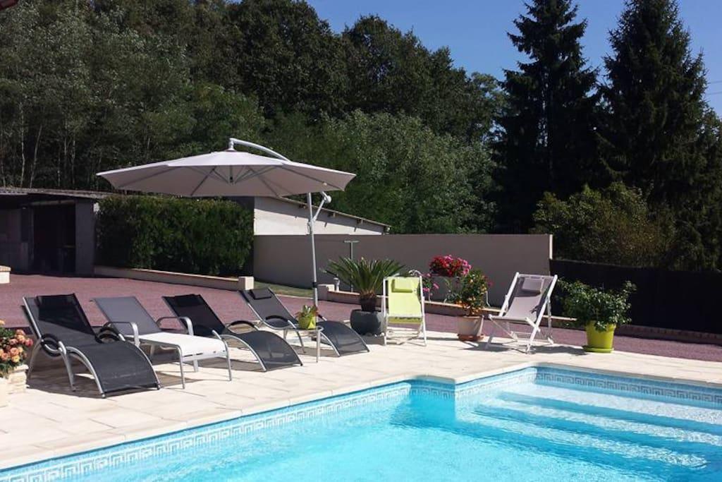 La piscine et les extérieurs