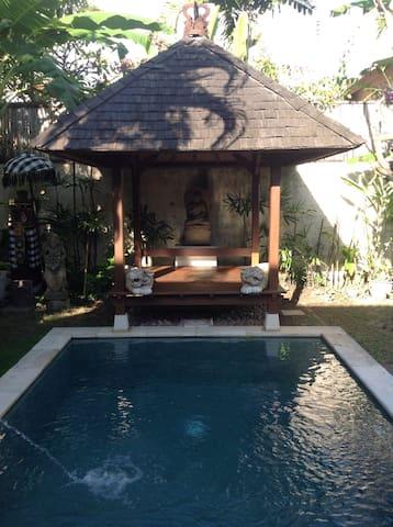 Stylish Villa in Charming Sanur - Sanur - Casa