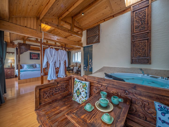 束河古镇星空浴缸蜜月大床房 私人花园 推窗即景 一整天阳光
