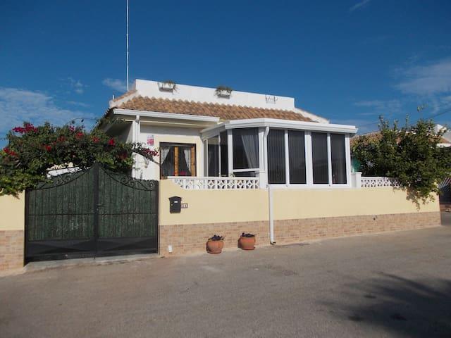 Sonniges, ruhiges Feriendomizil  - El Chaparral - House