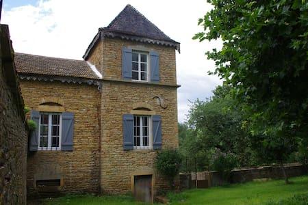 Pavillon de charme en Bourgogne - Massy