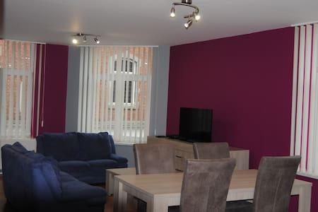 L'Inattendu Appartement Dinant Centre - Dinant - Apartment